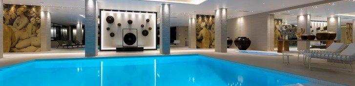 Découvrez notre nouveau Spa by CARITA de 600m² sur la métropole de Lyon. Piscine, sauna, hammam, jacuzzi, salle fitness, salle de repos et sa tisanerie Dammam. 4 cabines de soins dont une duo Ouvert à tous , 7j/7